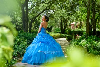 Best Miami quince photography best miami quince photographer quince quinces quinceanera quinceañera quinceaneras quinceañeras quince photoshoot quince quinces pretty quince falcon zen black horse rent horse andaluz horse andalucian white horse bonito whit