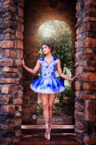 Miami quince photography best miami quince photographer quince quinces quinceanera quinceañera quinceaneras quinceañeras quince photoshoot quince quinces pretty quince falcon zen black horse rent horse andaluz horse andalucian white horse bonito white hor